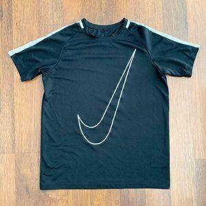 Nike Boys Dri-Fit Shirt XL